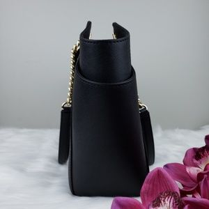 Michael Kors Bags - 🌺NWT Michael Kors LG Chain shoulder Bag Black MK